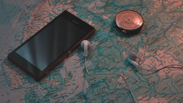 浮気調査GPS